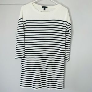 J. crew sweater tunic with pockets size small